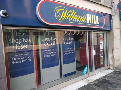 Toko William Hill Tutup